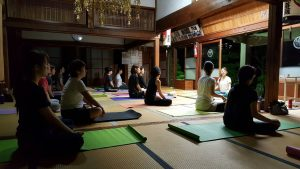 Unternehmen wollen mit Zen und Buddhismus einen moralischen Anstoß geben